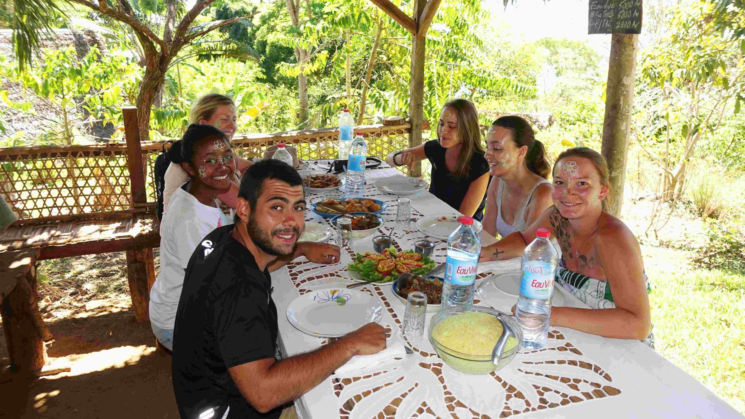 Repas au gîte Akiba - Nosy Komba